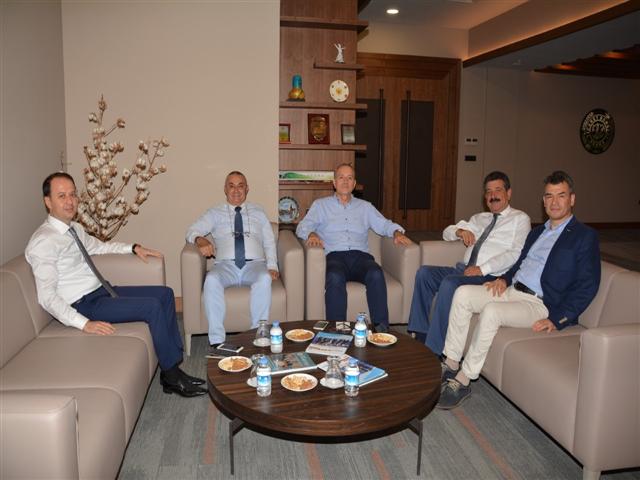 Yönetim Kurulumuz  Adana Ticaret Borsası' nı ziyaret etmişlerdir.